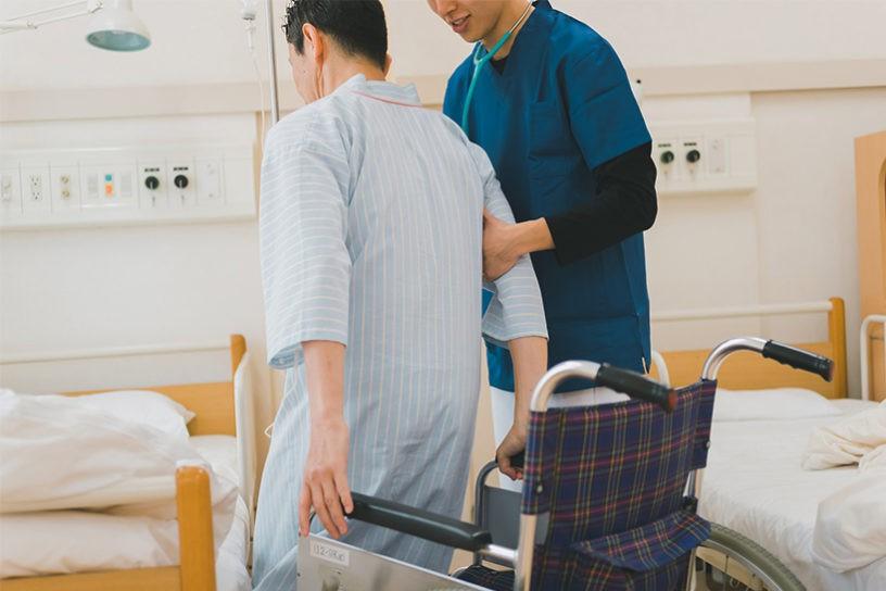 急性期医療で福祉用具は必要なの!?病棟スタッフが知っておきたい介助方法についてご紹介!