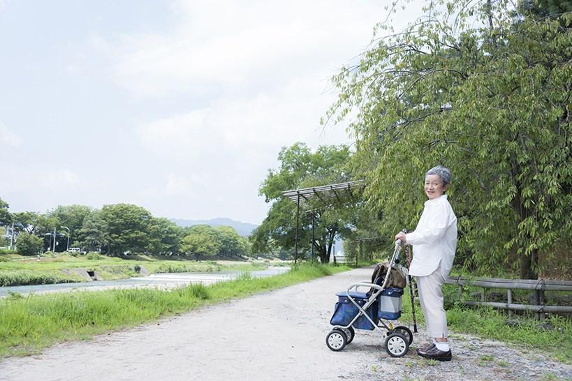歩行器それとも杖?理学療法士が解説する適切な歩行補助具の選定ポイント